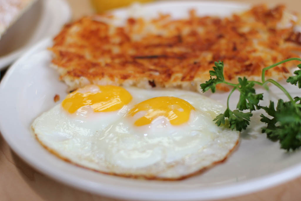 Two Eggs Over Easy an Hash browns